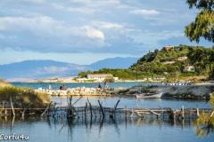 Antinioti lake is a brackish lake near Agios Spyridon beach.